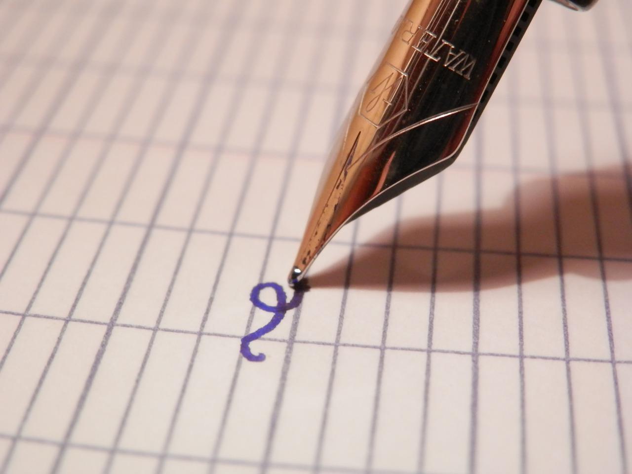 Idée et écriture sur carnet personnalisé